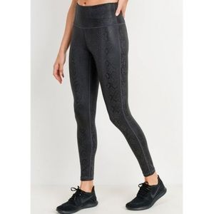 Mono B Black Mamba Snakeskin Boutique Leggings 3X